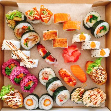 CBD五天寿司店出售 photo